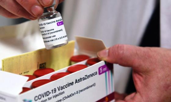 Vaccine Covid-19 cung không đủ cầu, Việt Nam đang trong ''cuộc tranh đua khốc liệt'' ảnh 1