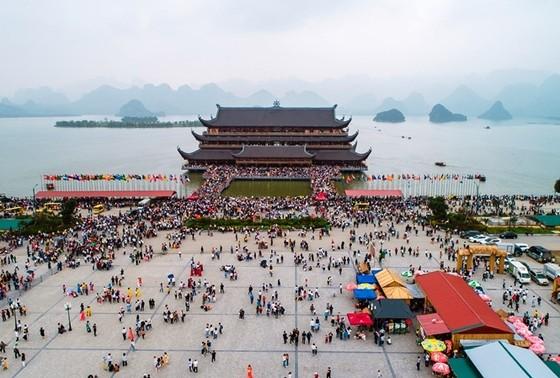 Hà Nam tạm đóng cửa chùa Tam Chúc, dừng toàn bộ các lễ hội ảnh 1