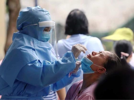 Hà Nội thêm 9 ca dương tính, khẩn cấp rà soát, xét nghiệm tất cả người tới Bệnh viện K ảnh 1