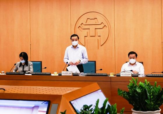 Chủ tịch UBND TP Hà Nội: Tuyệt đối không để lây nhiễm dịch ở các tổ bầu cử ảnh 1