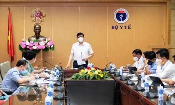 Bộ trưởng Bộ Y tế: Rất nguy hiểm nếu không dập được dịch ở Bắc Giang  ảnh 1