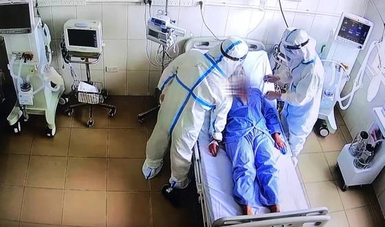 Một người mắc Covid-19 ở quận 8, TPHCM tử vong sau 1 tuần nhập viện ảnh 1
