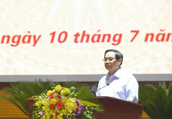Thủ tướng Phạm Minh Chính: Không để ai đứng ngoài cuộc tiếp cận vaccine Covid-19 ảnh 1