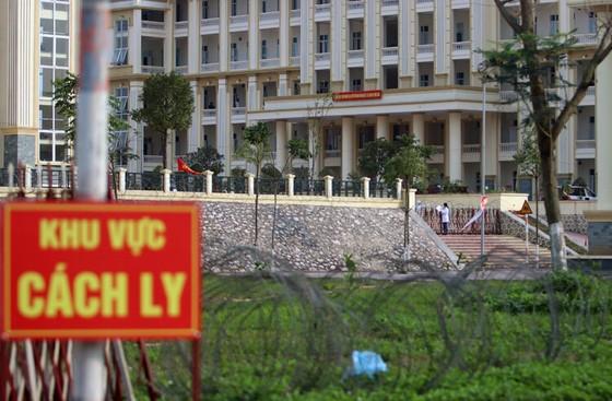 Ca mắc Covid-19 liên tục tăng, Hà Nội lấy chung cư, nhà thi đấu làm bệnh viện dã chiến ảnh 1