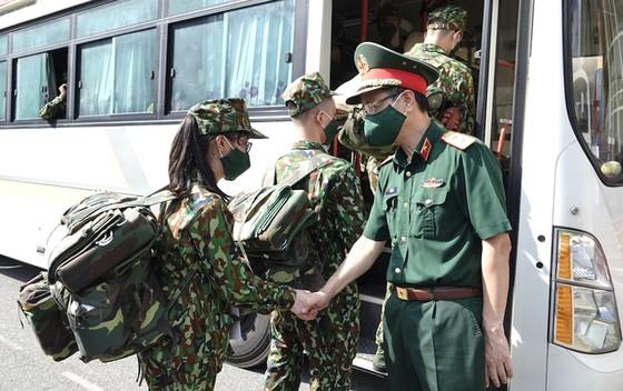 Bộ trưởng Y tế đề nghị tiếp tục cử bộ đội tới hỗ trợ Tiền Giang, Kiên Giang chống dịch ảnh 2