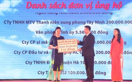Phó Chủ tịch nước Đặng Thị Ngọc Thịnh tri ân các anh hùng liệt sĩ tại Quảng Trị  ảnh 3