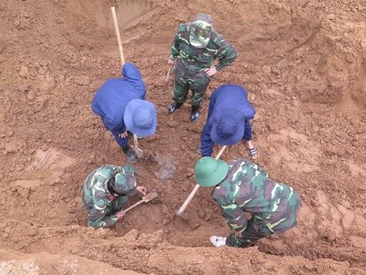 Phát hiện 11 hài cốt liệt sĩ bọc trong võng dù xanh tại Quảng Trị ảnh 3
