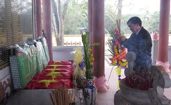 Phát hiện 11 hài cốt liệt sĩ bọc trong võng dù xanh tại Quảng Trị ảnh 1