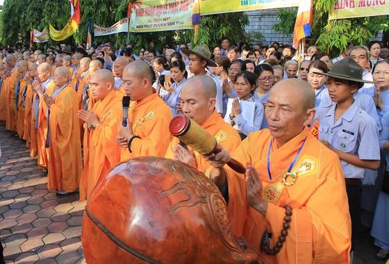 Trang nghiêm Đại lễ Phật đản Phật lịch 2562 tại Huế ảnh 1