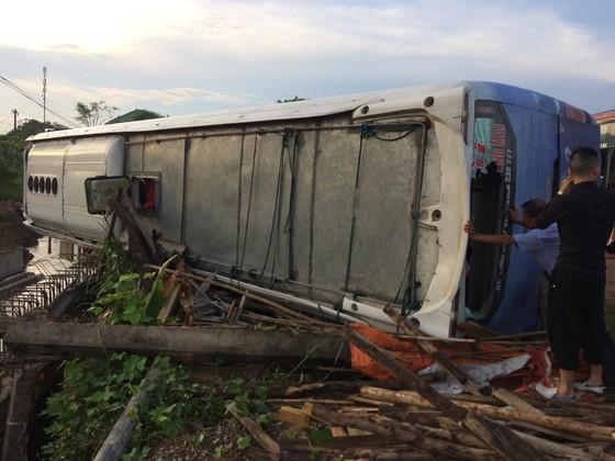 Nhiều người bị thương sau 3 vụ tai nạn ô tô liên tiếp tại Quảng Trị ảnh 3