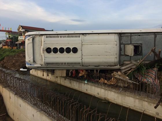 Nhiều người bị thương sau 3 vụ tai nạn ô tô liên tiếp tại Quảng Trị ảnh 2