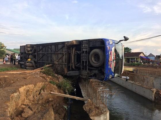 Nhiều người bị thương sau 3 vụ tai nạn ô tô liên tiếp tại Quảng Trị ảnh 1