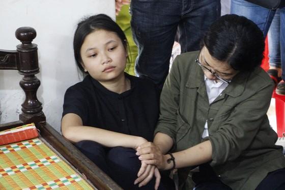 Tình người ở đại tang thôn Lương Điền ảnh 2
