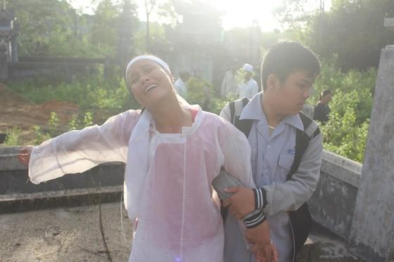 Tiễn đưa các nạn nhân vụ tai nạn giao thông tại Quảng Nam về nơi an nghỉ ảnh 4