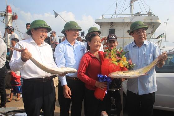 Ngư dân Quảng Trị trúng mẻ cá 7 tỷ đồng ảnh 2