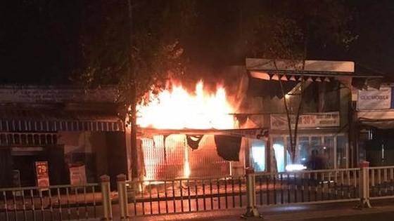 Hai vợ chồng và con gái tử vong trong vụ cháy cửa hàng xe đạp điện  ảnh 2