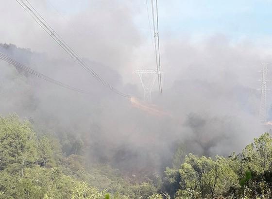 Cháy rừng tại Thừa Thiên – Huế uy hiếp đường dây 500KV ảnh 1