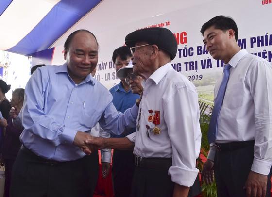 Thủ tướng Nguyễn Xuân Phúc phát lệnh khởi công tuyến đầu tiên cao tốc Bắc - Nam ảnh 2