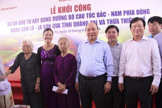 Thủ tướng Nguyễn Xuân Phúc phát lệnh khởi công tuyến đầu tiên cao tốc Bắc - Nam ảnh 3