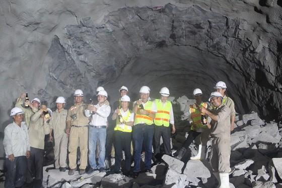 Đào thông hầm bộ Hải Vân 2 dài 6,2km ảnh 2