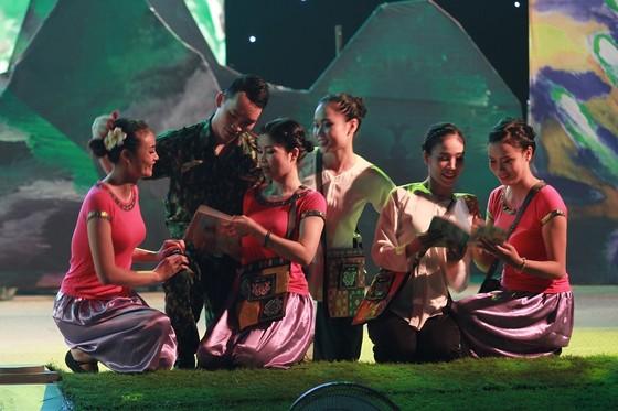 Khai mạc Hội diễn văn hóa tuyến biên giới, biển đảo miền Trung-Tây Nguyên ảnh 4
