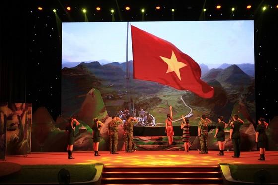 Khai mạc Hội diễn văn hóa tuyến biên giới, biển đảo miền Trung-Tây Nguyên ảnh 2