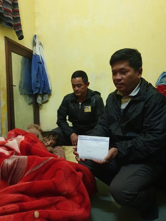 Báo SGGP trao 48,7 triệu đồng giúp bệnh nhân nghèo ảnh 1