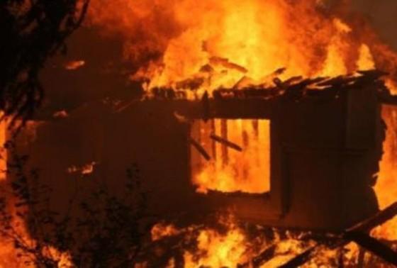 Cháy nhà khiến 3 cha con chết thương tâm ảnh 1