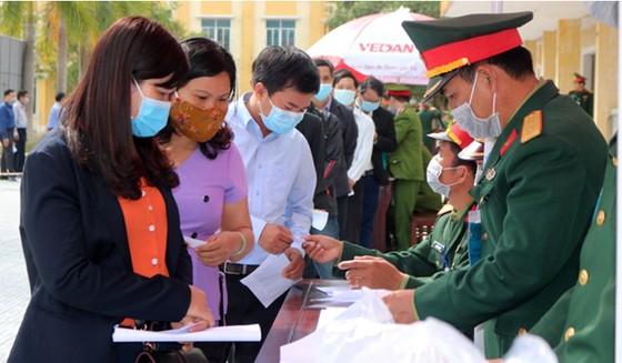 Bệnh viện Trung ương Huế bắt đầu thực hiện xét nghiệm nCoV ảnh 4