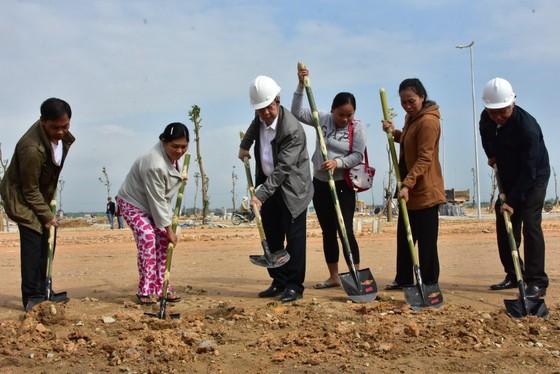 Xây 25 ngôi nhà cho các hộ nghèo di dời ra khỏi Kinh thành Huế ảnh 2