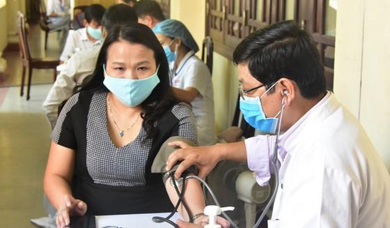Nhiều cán bộ chỉ đạo phòng chống dịch Covid-19 tại Huế hiến máu cứu người ảnh 1
