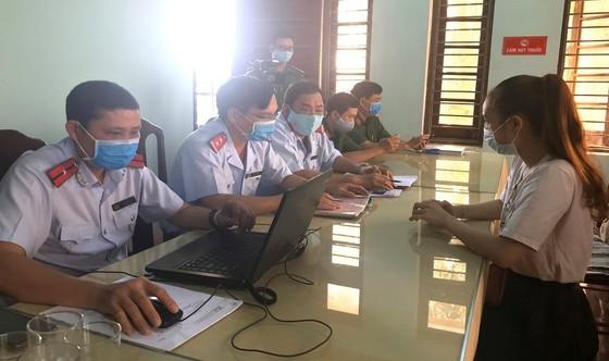 """Xử lý nhân viên Phòng Kinh tế UBND TP Huế để rò rỉ văn bản dự thảo """"cấm chợ"""" lên Facebook ảnh 2"""