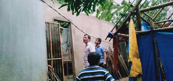 Lốc xoáy làm sập và tốc mái ít nhất 17 ngôi nhà ở A Lưới ảnh 4