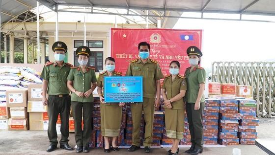 Nhiều đơn vị tại Thừa Thiên-Huế chung tay giúp nước bạn Lào phòng, chống dịch Covid-19 ảnh 4