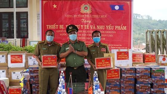 Nhiều đơn vị tại Thừa Thiên-Huế chung tay giúp nước bạn Lào phòng, chống dịch Covid-19 ảnh 1