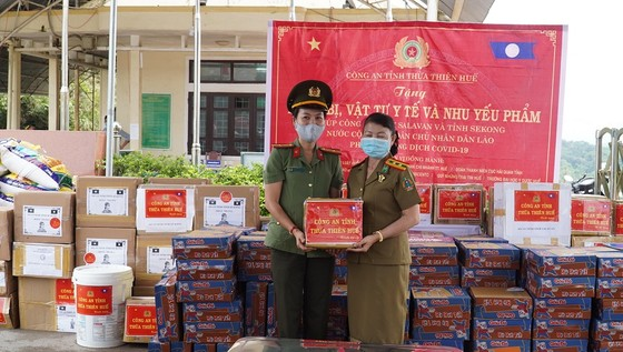 Nhiều đơn vị tại Thừa Thiên-Huế chung tay giúp nước bạn Lào phòng, chống dịch Covid-19 ảnh 2