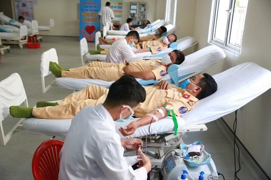 500 cán bộ, chiến sĩ công an tỉnh Thừa Thiên-Huế cùng hiến máu cứu người ảnh 3