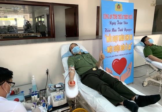 500 cán bộ, chiến sĩ công an tỉnh Thừa Thiên-Huế cùng hiến máu cứu người ảnh 1