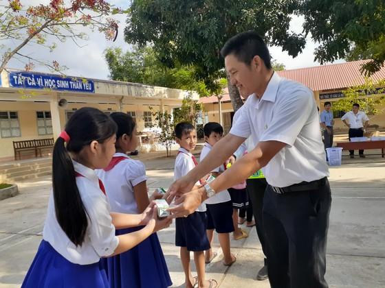 Gần 55.000 trẻ em tỉnh Trà Vinh tiếp cận chương trình sữa học đường   ảnh 1