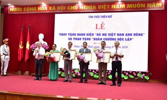 Truy tặng 12 danh hiệu Bà Mẹ Việt Nam Anh hùng ảnh 2