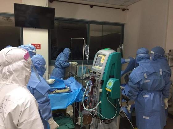 Bệnh viện Trung ương Huế cơ sở 2 đang tích cực điều trị cho 6 bệnh nhân mắc Covid-19 còn lại ảnh 3