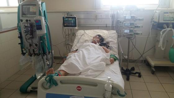 Bệnh viện Trung ương Huế cứu sống nữ sinh viên 9 lần ngưng tim rồi hôn mê sâu ảnh 1