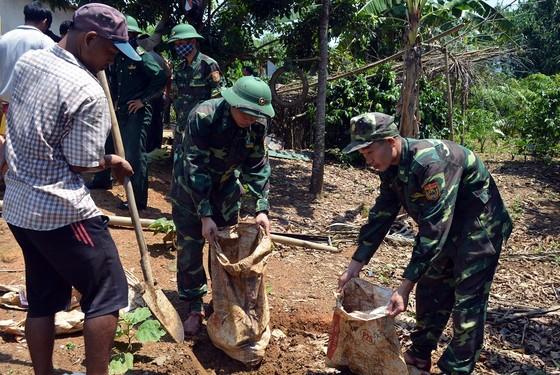 Phó Thủ tướng Trịnh Đình Dũng chỉ đạo công tác ứng phó bão số 5 tại Thừa Thiên - Huế ảnh 7