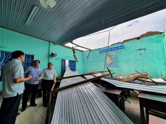 Gần 4.000 bộ đội và dân quân tự vệ giúp dân khắc phục bão số 5 ảnh 6
