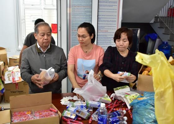 Thừa Thiên – Huế khẩn cấp cứu trợ người dân vùng lũ ảnh 2