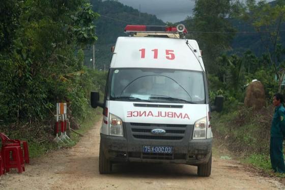 Đã tìm thấy 7 thi thể trong đoàn cứu hộ gặp nạn hôm 12-10 ảnh 1