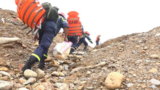 Vụ sạt lở tại Thủy điện Rào Trăng 3: Sau một tuần ứng cứu vẫn còn 15 người mất tích ảnh 2