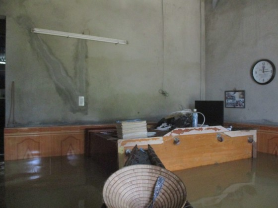 Nhiều khu dân cư Thừa Thiên – Huế trắng xóa trong lũ ảnh 12
