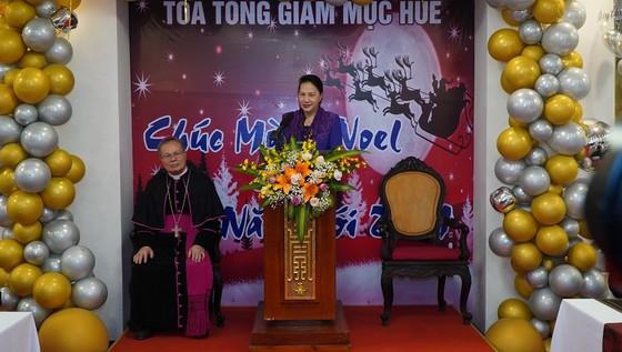 Chủ tịch Quốc hội Nguyễn Thị Kim Ngân thăm Tòa Tổng Giám mục Huế ảnh 1