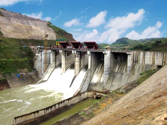 Khẩn cấp xử lý sự cố đường ống dẫn nước thủy điện A Lưới  ảnh 1